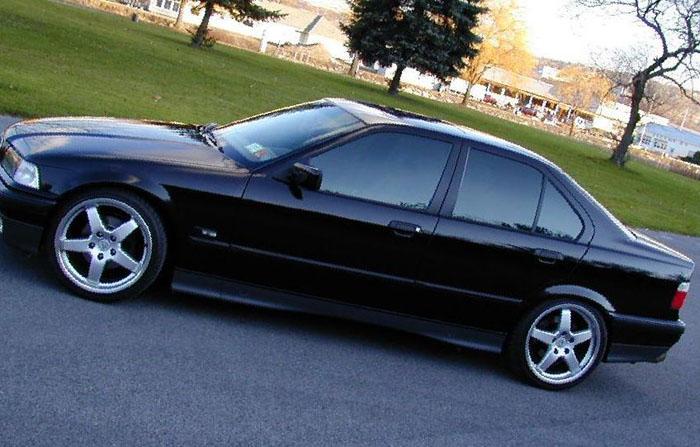 BMW 3 series sedan review / bmw-e36.com